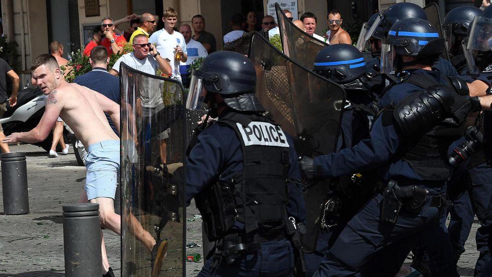 La Eurocopa recién se inauguró el viernes y ya hay más de 100 detenidos.