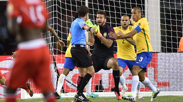 La Selección Peruana se metió en los cuartos de final con triunfo histórico.