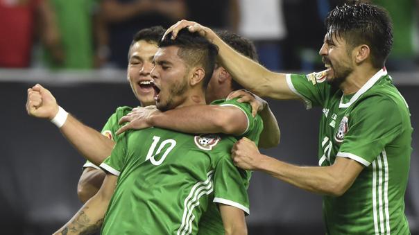 México logró empatar sobre la hora y tomó el primer lugar del grupo C.