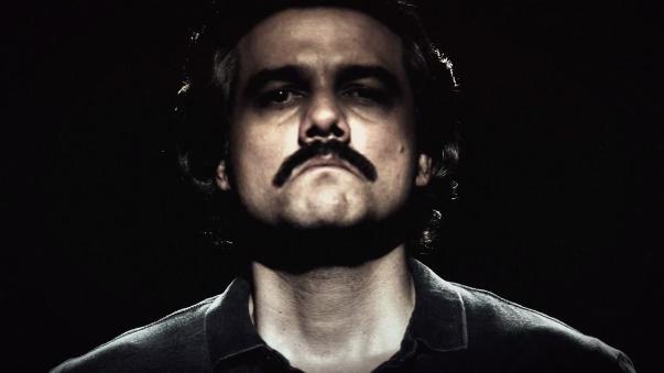 Wagner Moura, es Pablo Escobar en Narcos.