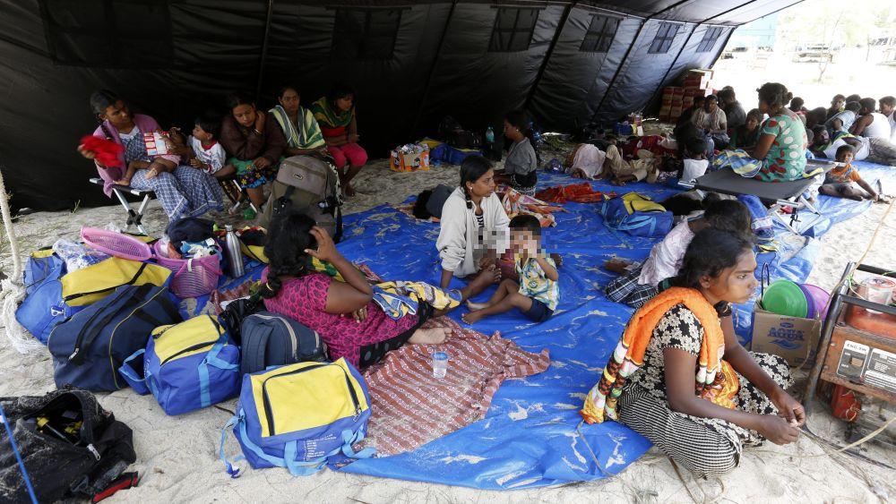 Los inmigrantes indocumentados de Sri Lanka se dirigían a Australia, pero el navío sufrió un fallo en el motor.
