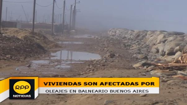 El agua del mar ingresó hasta la sala de algunas viviendas en el sector Buenos Aires Sur, en el distrito de Víctor Larco.