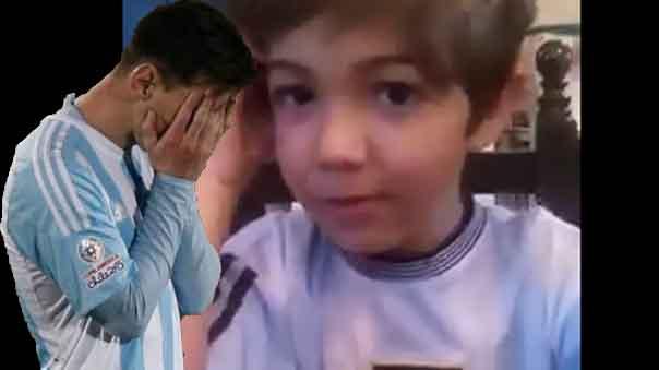 Lionel Messi recibe el aliento de un niño por perder la final.