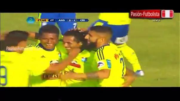 El golazo de volea de Carlos Lobatón en victoria de Sporting Cristal en Sullana