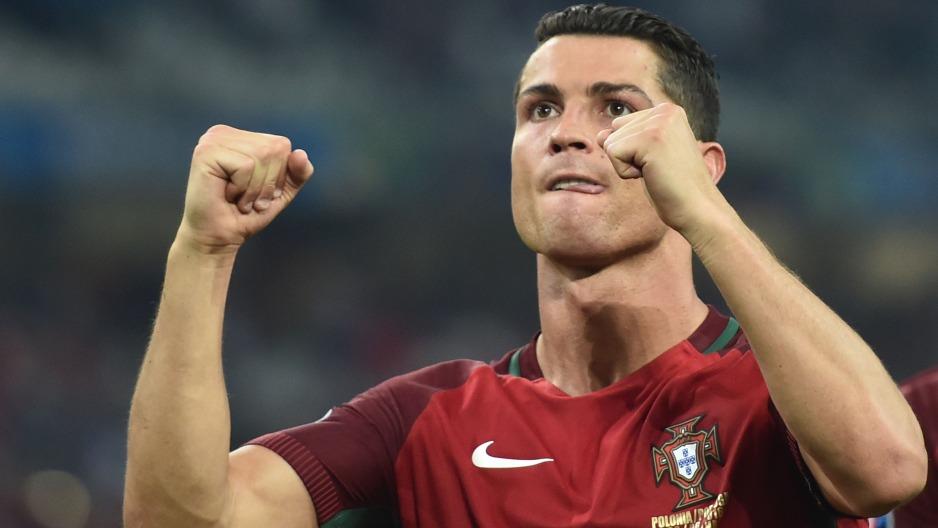 Cristiano Ronaldo es el único jugador de la historia que ha marcado en cuatro Eurocopas consecutivas.