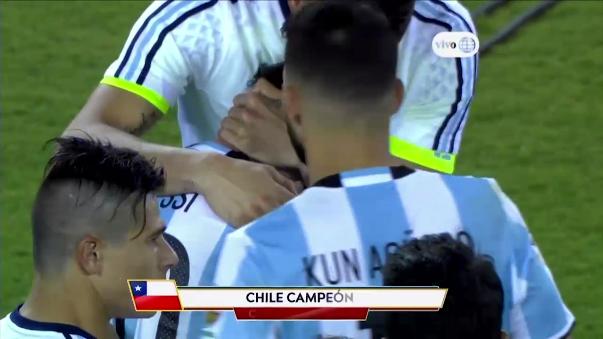 La reacción de Lionel Messi tras perder la final de la Copa América Centenario.