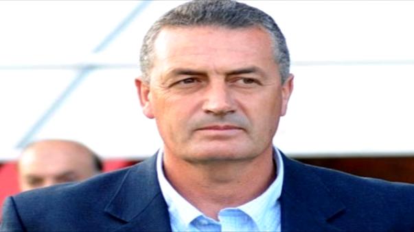 Gustavo Alfaro tiene 53 años.