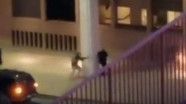 Video muestra el ataque a un policía en Dallas