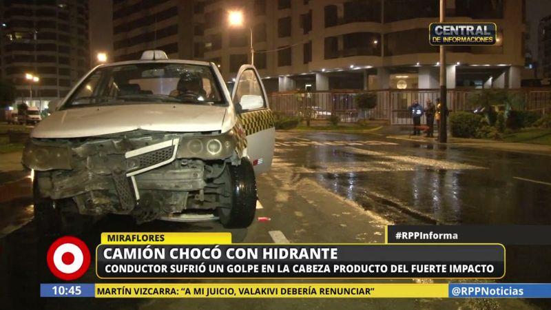Así quedó el taxi de Ernesto Simabuko, quien salvó la vida de un pequeño gato.