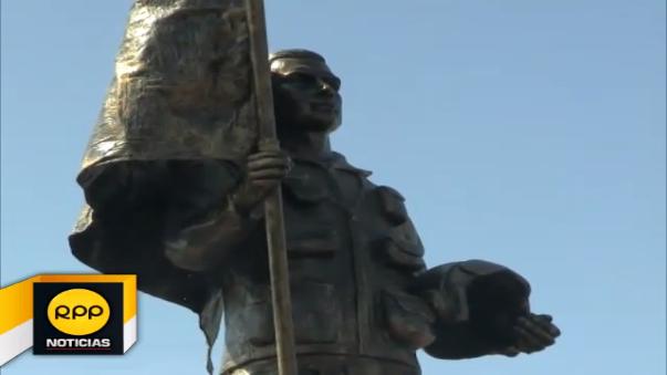Rinden homenaje de héroe del Cenepa.