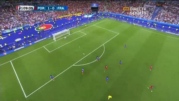 Portugal ganó 1-0 con un violento remate de Éder de fuera del área.