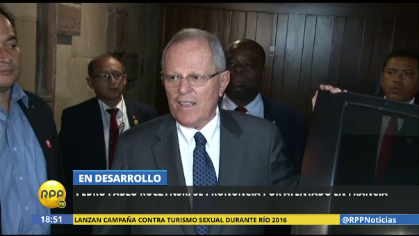 PPK llegó hasta la residencia del embajador de Francia en Perú para hacerle llegar sus condolencias.