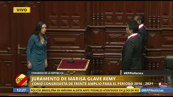 Marisa Glave generó el rechazo del fujimorismo al dedicar su juramentación a las mujeres esterilizadas durante el gobierno de Alberto Fujimori.