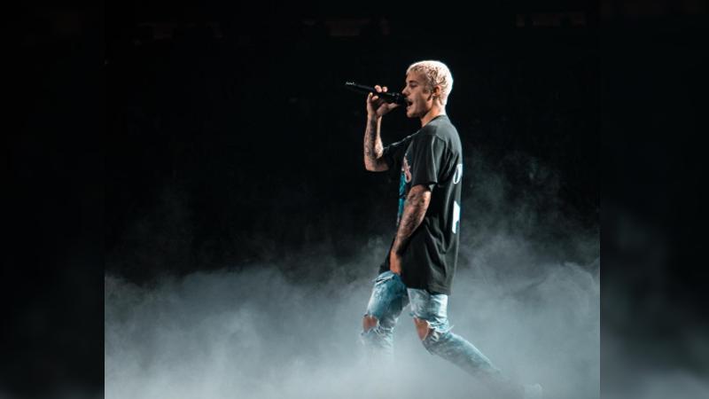 'Cold Water' forma parte del proyecto Major Lazer, iniciativa del productor Diplo, en el que Justin Bieber participa junto a la cantante danesa MO.