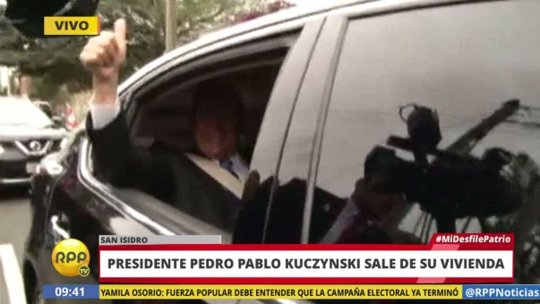 El presidente Pedro Pablo Kuczynski salió rumbo a la Gran Parada Militar.
