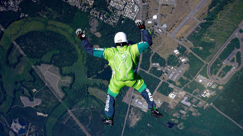 El salto de Luke Aikins que duró más de dos minutos fue grabado y transmitido por la televisión estadounidense.