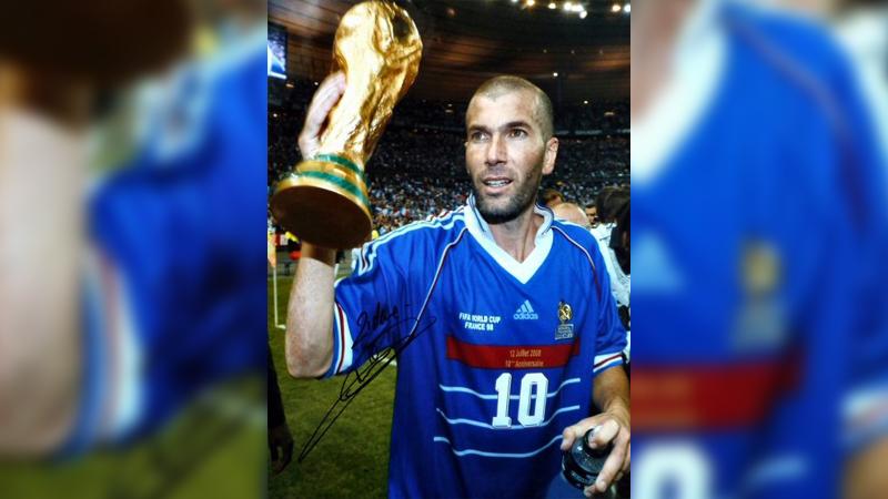 Zinedine Zidane fue campeón mundial con Francia en 1998.