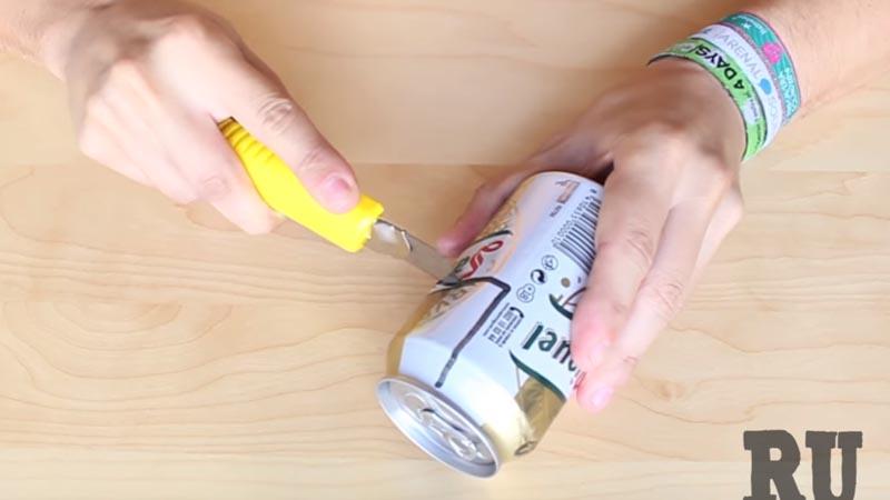 Video de YouTube te da útiles tips para poder transformar una lata de gaseosa o cerveza en objetos ingeniosos.