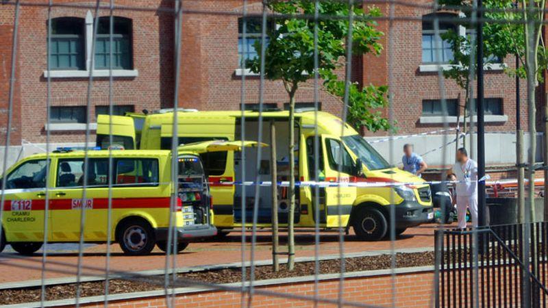 El atacante dejó heridos a dos policías antes de que fuera reducido por las fuerzas del orden.