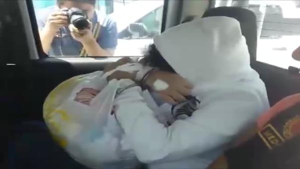 Mujer intentó matar a sus hijas dándole veneno para ratas pero médicos pudieron salvarles la vida. Ella ha sido arrestada.