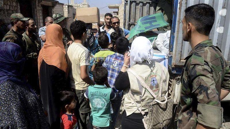 Tras el cierre del camino hacia el oeste de Alepo, se están registrando desplazamientos masivos de familias procedentes de esta área, y que se manejan cifras que van entre 25.000 y 35.000 personas en los últimos dos a tres días.