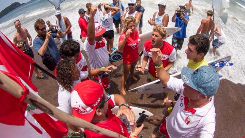 Perú campeón mundial de surf en ISA Costa Rica