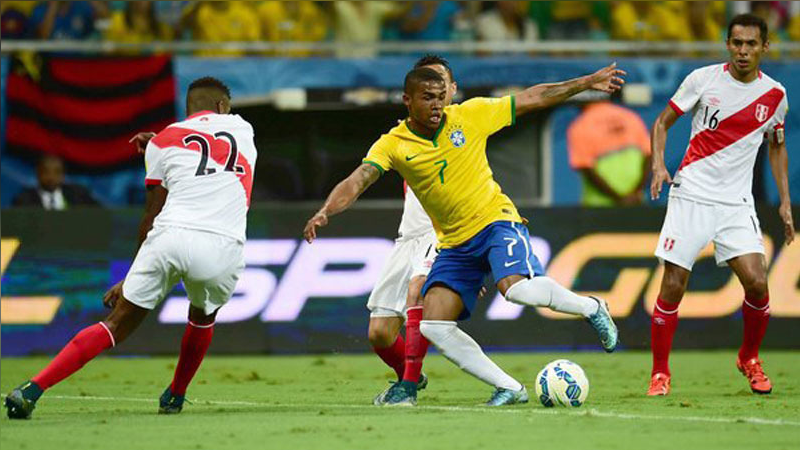 El último encuentro de Perú en Eliminatorias fue una derrota 3-0 ante Brasil.