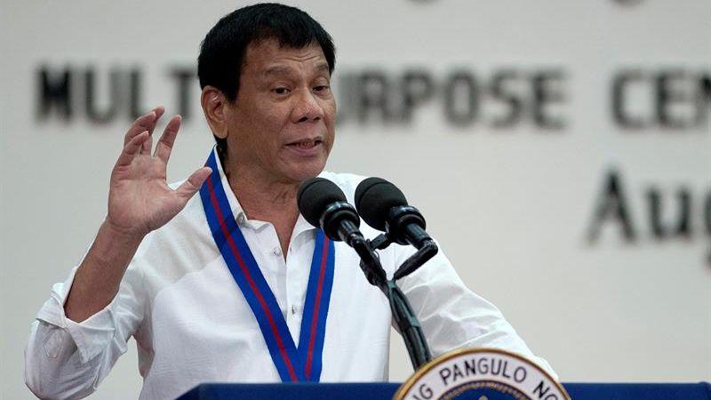 El mandatario aseguró que continuará su radical campaña para erradicar los estupefacientes a pesar de las críticas del organismo internacional.