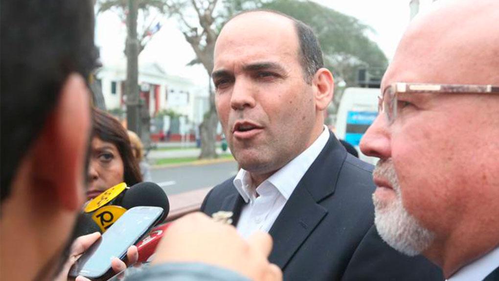 Fernando Zavala también deslindó un acuerdo con el gobierno.