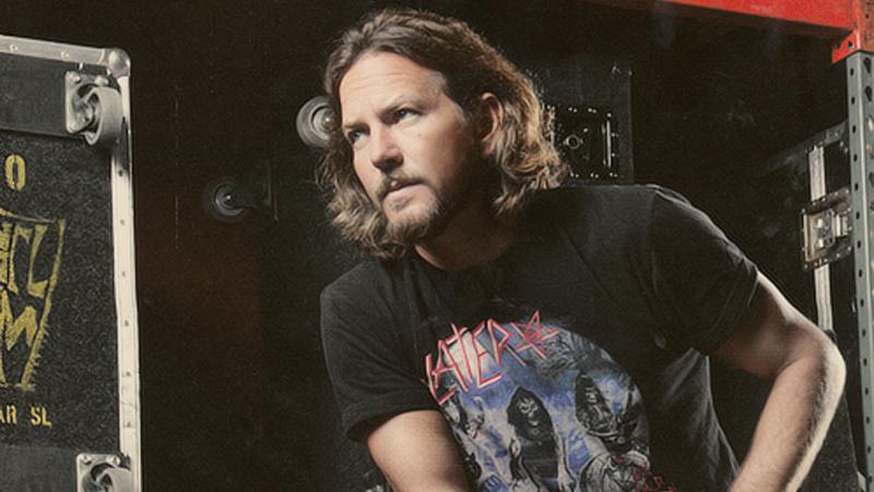 Eddie Vedder paró un show para echar a un hombre que le pegó a una mujer.