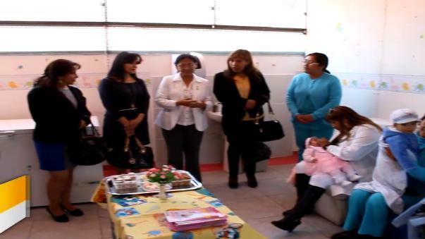 El Hospital El Carmen de Huancayo inauguró el único lactario de la región.