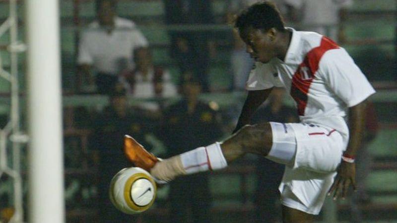 Andrés Mendoza debutó en primera división en el año 1995 con camiseta de Sporting Cristal.