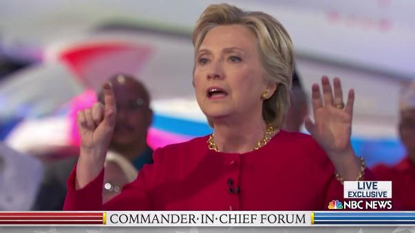 Hillary Clinton también fue entrevistada en el mismo canal, aunque en otro horario. En la conversación habló sobre el