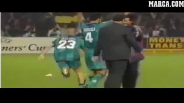 El día que Guardiola y Mourinho se dieron un emotivo abrazo.