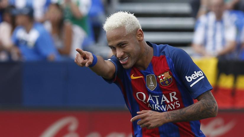 Neymar anotó un nuevo gol con Barcelona.