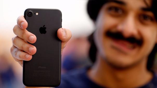 Algunos iPhone 7 emiten un chirrido cuando son exigidos.