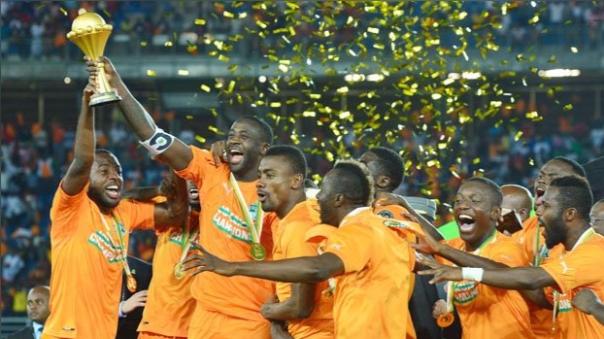 Golazo de Yaya Touré en la Copa África 2015. Salió campeón.