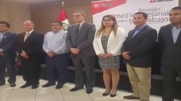 Ministro Alfonso Grados se reunió con representantes de empresas para incentivar aplicación de esta modalidad.