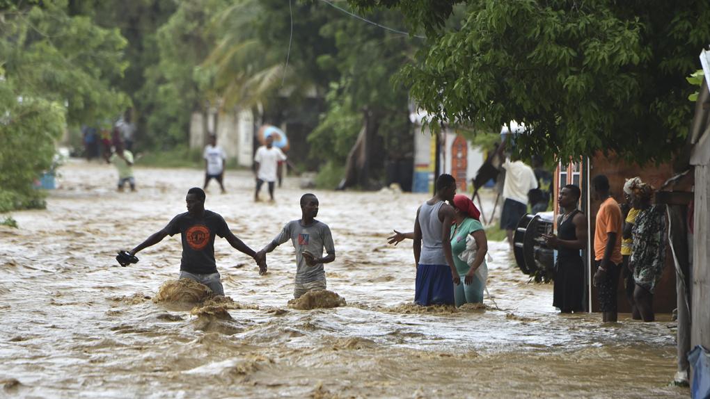 Matthew ha sido calificado como huracán de categoría cuatro, el segundo más fuerte. Ha alcanzado vientos de hasta 240 km/h. Es considerado el más poderoso del Atlántico en la última década. Ahora se dirige a las Bahamas y el jueves llegará a las costas de Florida (Estados Unidos).