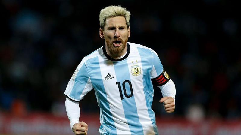 Lionel Messi debutó con Argentina en el 2005 enfrentando a Hungría en un amistoso.