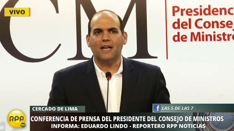 El primer ministro dijo que Carlos Moreno habría intentado sacar provecho personal del sistema de salud.