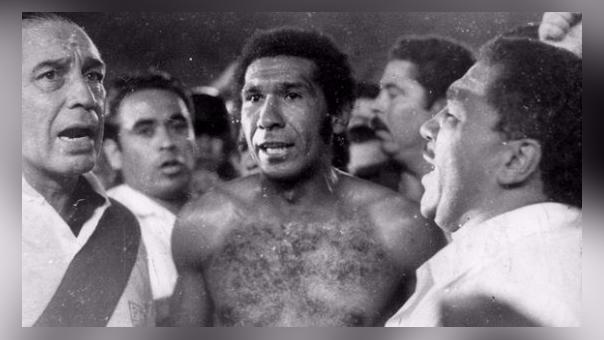 Perú 2-0 Chile en las Eliminatorias 1978 (Resumen del partido).