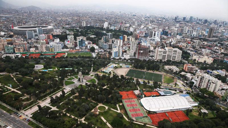 Trujillo Mori señaló que mediante el Programa de Generación de Suelo Urbano del sector se identificarán grandes extensiones de terrenos, los cuales serán habilitados con servicios básicos y posteriormente subastados.
