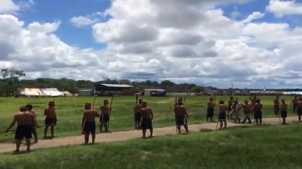 Los dirigentes de las comunidades nativas recibieron en un clima de paz a los funcionarios de la PCM.