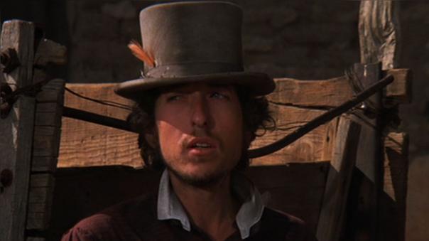 Además de poner la música a la película 'Pat Garrett y Billy The Kid' (1973), Bob Dylan tuvo un pequeño papel en la cinta.
