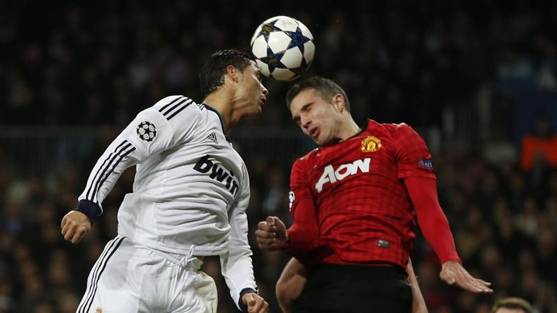 Los golpes de cabeza en el fútbol también tienen un impacto negativo.