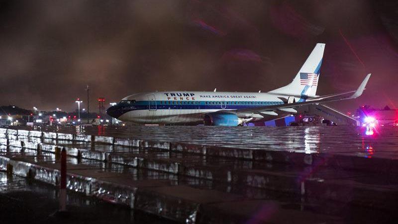 La causa probable de la salida de pista fue el 'aquaplaning' consecuencia de la fuerte lluvia que caía en Nueva York.
