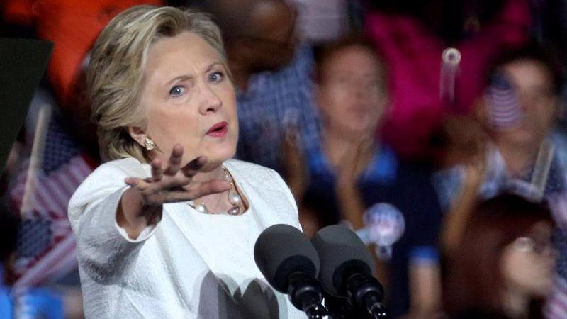 El recorrido de Clinton por Florida, que aporta 29 votos o circunscripciones electorales, incluye eventos de campaña en Sanford, en el área de Orlando, en el centro de Florida, y en Fort Lauderdale, al norte de Miami.