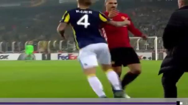 Zlatan Ibrahimovic tuvo un encontrón con el danés Simon Kjaer.
