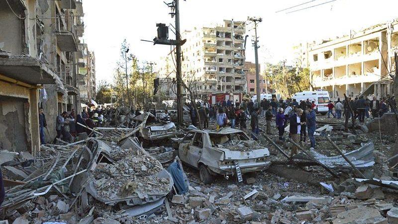 La oficina del gobernador provincial ha atribuido el ataque al PKK, la guerrilla kurda.